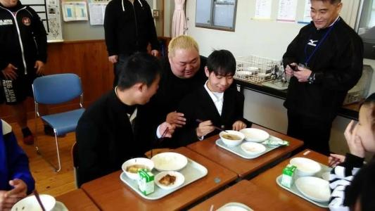 大日本プロレスが大分・宇佐市の支援学校を訪問