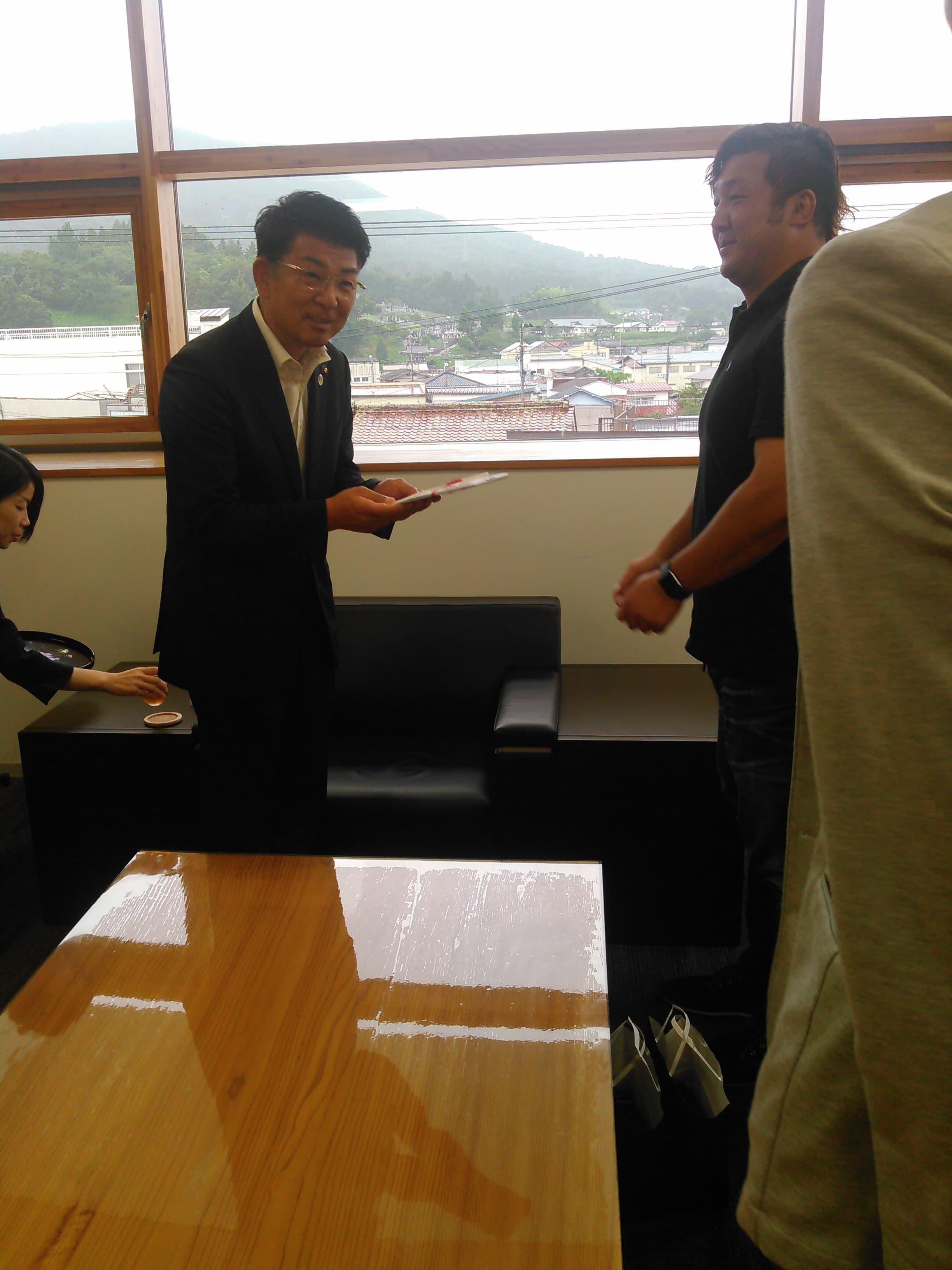 【報告】大日本プロレスが福島県田村市に絵本を寄贈